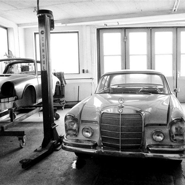 Blick in die Oldtimer-Werkstatt: Karosserie Garage, Bad Saulgau, Mercedes-Benz W108 280 SE 3.5 Coupe